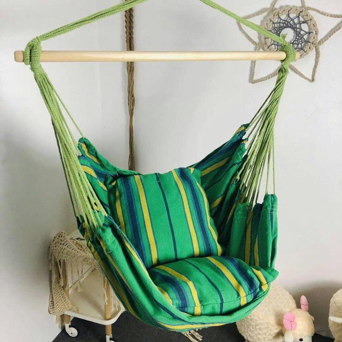 Travel hanging chair with two pillows