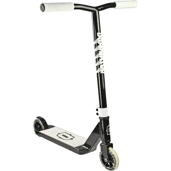 Dominator Trooper Scooter - Color:  Black/White
