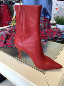 Lola Cruz Red Heeled Leather Boots