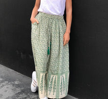 Load image into Gallery viewer, Goa Paris Green Patterned Maxi Skirt