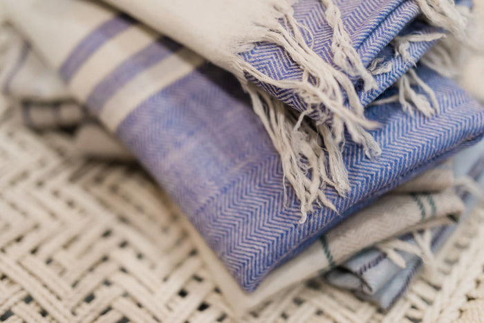 Hand-loomed cashmere wrap