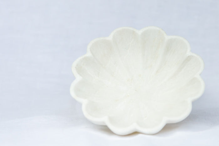 marble scalloped bowl