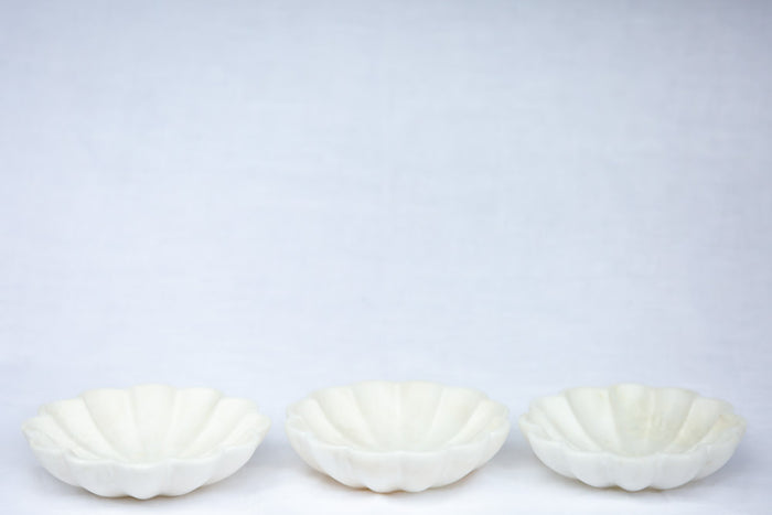 marble scallop bowl