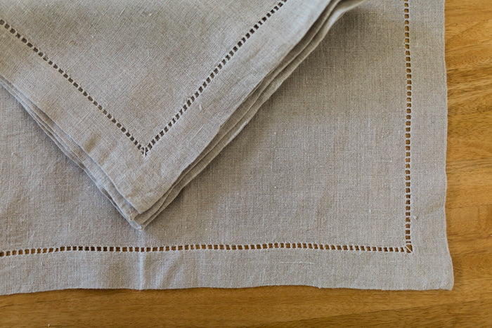 fine linen drawn-thread work napkins (pair)