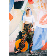Load image into Gallery viewer, large sunflower 128 women harem pants in black white PP0004 020128 05