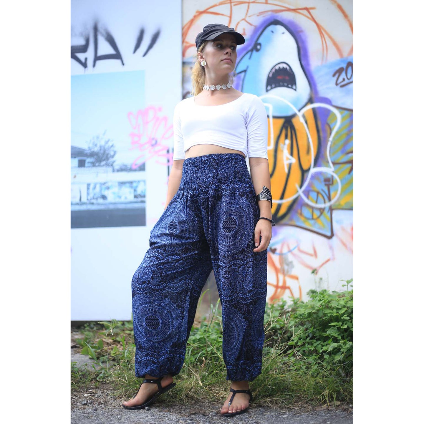 Monotone Mandala 31 women harem pants in Navy PP0004 020031 02