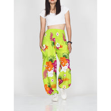Load image into Gallery viewer, Painted flower 62 women harem pants in Green PP0004 020062 02