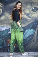 Load image into Gallery viewer, Side flower 131 women harem pants in Green PP0004 020131 04