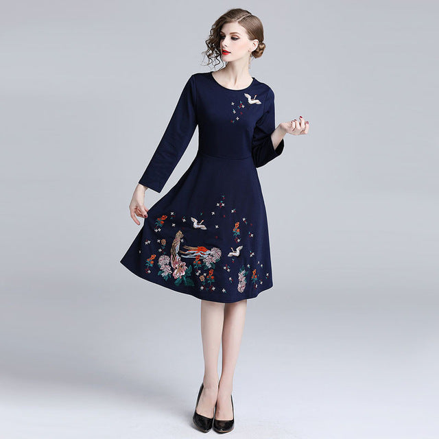 Embroidery Slim Tunic Dress