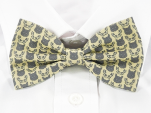 DISCONTINUED Ragdoll Cat Faces Pre-Tied Bow Tie