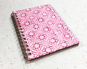 Small embossed notebook Circles pale pink