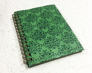 Small embossed notebook Crowns Green