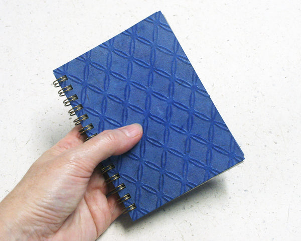 Small embossed notebook Blue Fishnet