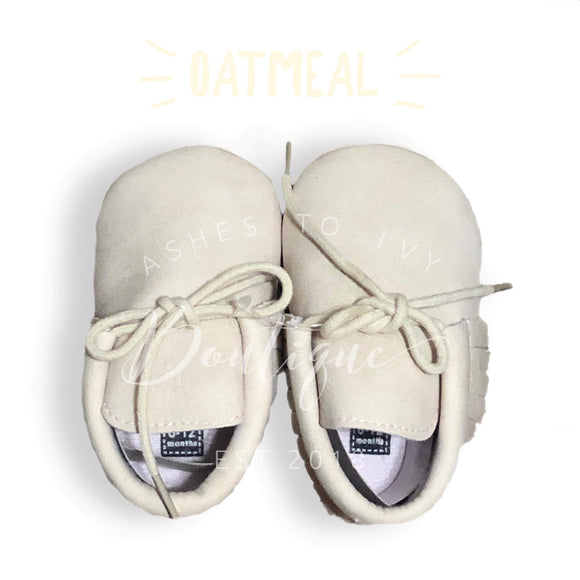 Oatmeal soft sole tie moccs
