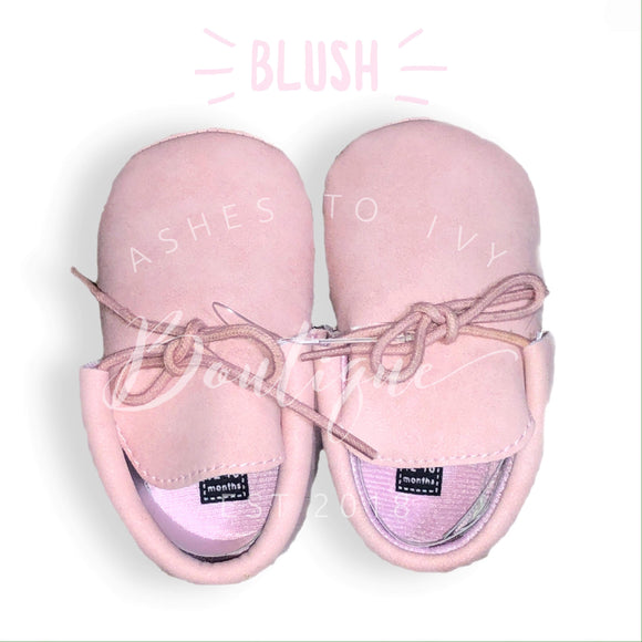 Blush soft sole tie mocc