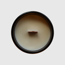 Load image into Gallery viewer, Hughes Candles Fitzgerald all natural wood wick soy candle top