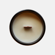 Load image into Gallery viewer, Hughes Candles Hawthorne all natural wood wick soy candle top