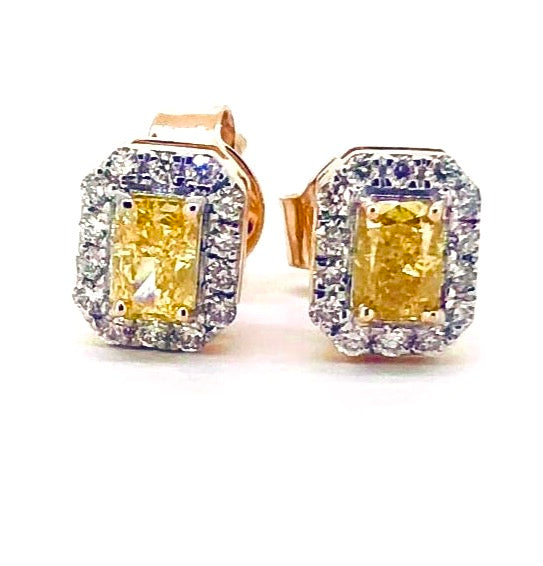 18k Splendor Classic Diamond Studs
