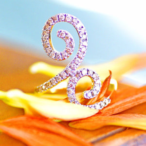 18k Double Spiral Diamond Statement Ring