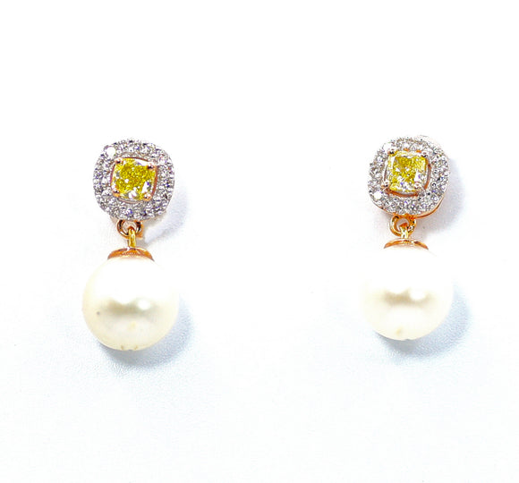 18k Splendor Yellow & White Diamond Earrings