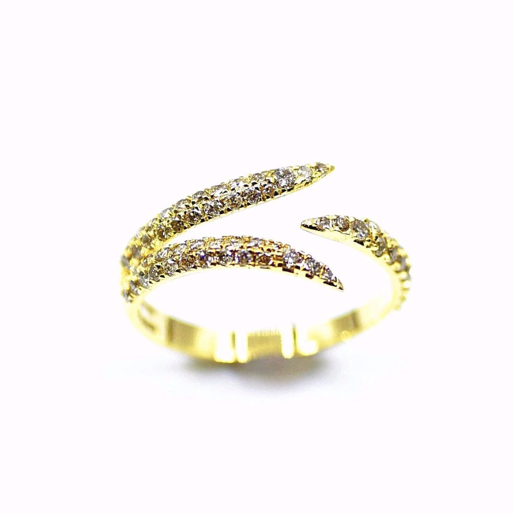 18k Diamond Claw Ring