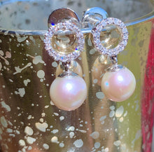 Load image into Gallery viewer, 18k Diamond & Pearl Earrings