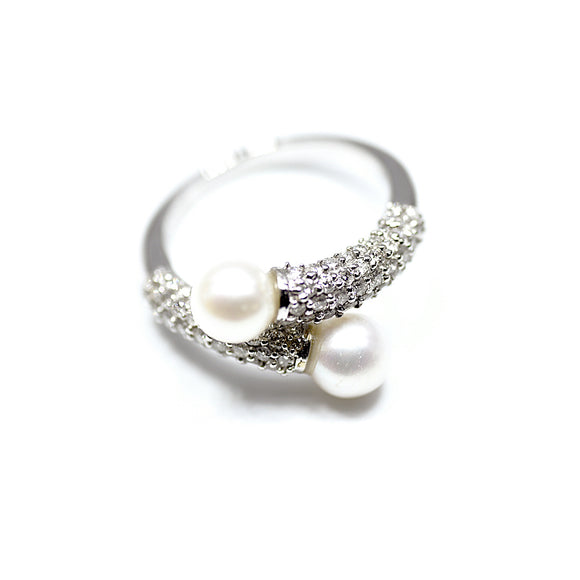 18k Diamond Overlap Pearl Unity Ring - Eraya Diamonds