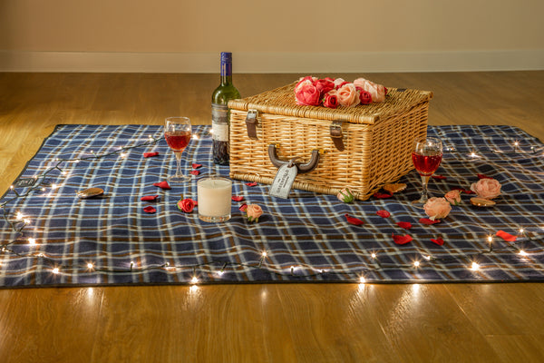 Picnic hamper with roses | The Greenfield Collection