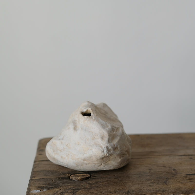Warnemünde, Germany, 2019 - H 7cm - Beige  de Yellow Nose Studio chez Brutal Ceramics