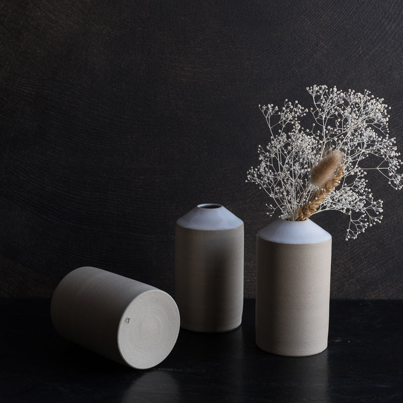 Le vase de la collection Essential de No Ceramic sur la boutique Brutal Ceramics