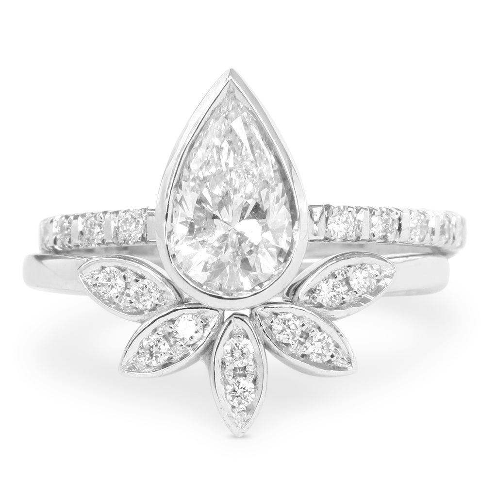 0.5ct Pear Diamond Minimal Engagement Ring & 5 Leaves Ring Wedding Ring Set - sillyshinydiamonds