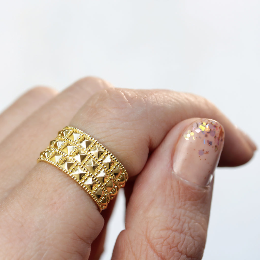 Pyramid Wide gold Wedding Ring, Sahara - sillyshinydiamonds