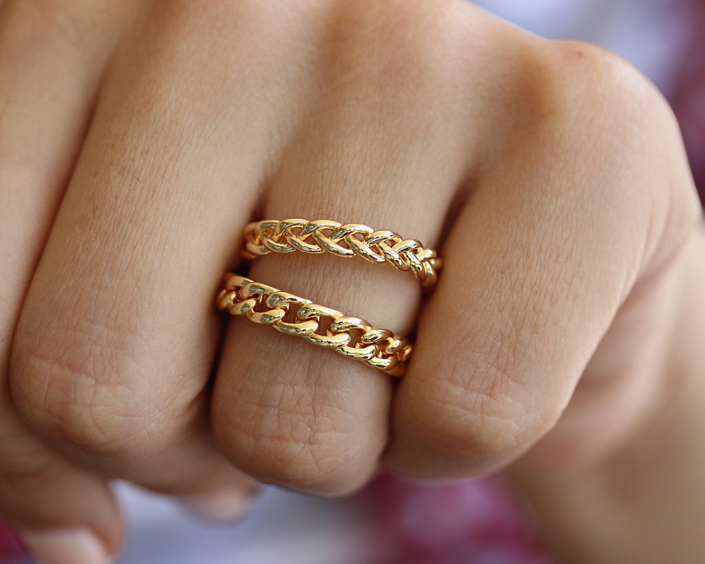small chain wedding ring - sillyshinydiamonds