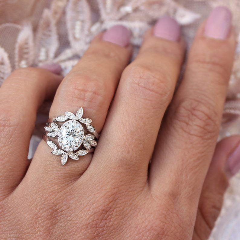 Minimal Lily - Oval Moissanite & Diamonds Floral three rings set - sillyshinydiamonds