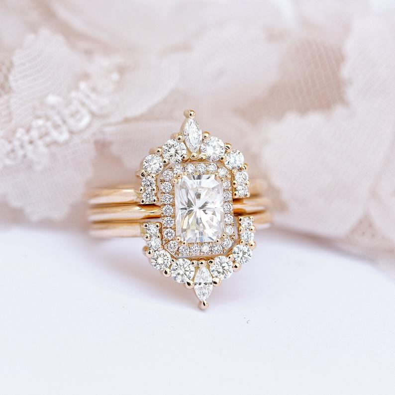 Radiant Moissanite Wedding Trio Ring Set, Princess / Cushion Moissanite Ring, Unique Engagement Ring, Trio Bridal Rose gold wedding set - sillyshinydiamonds