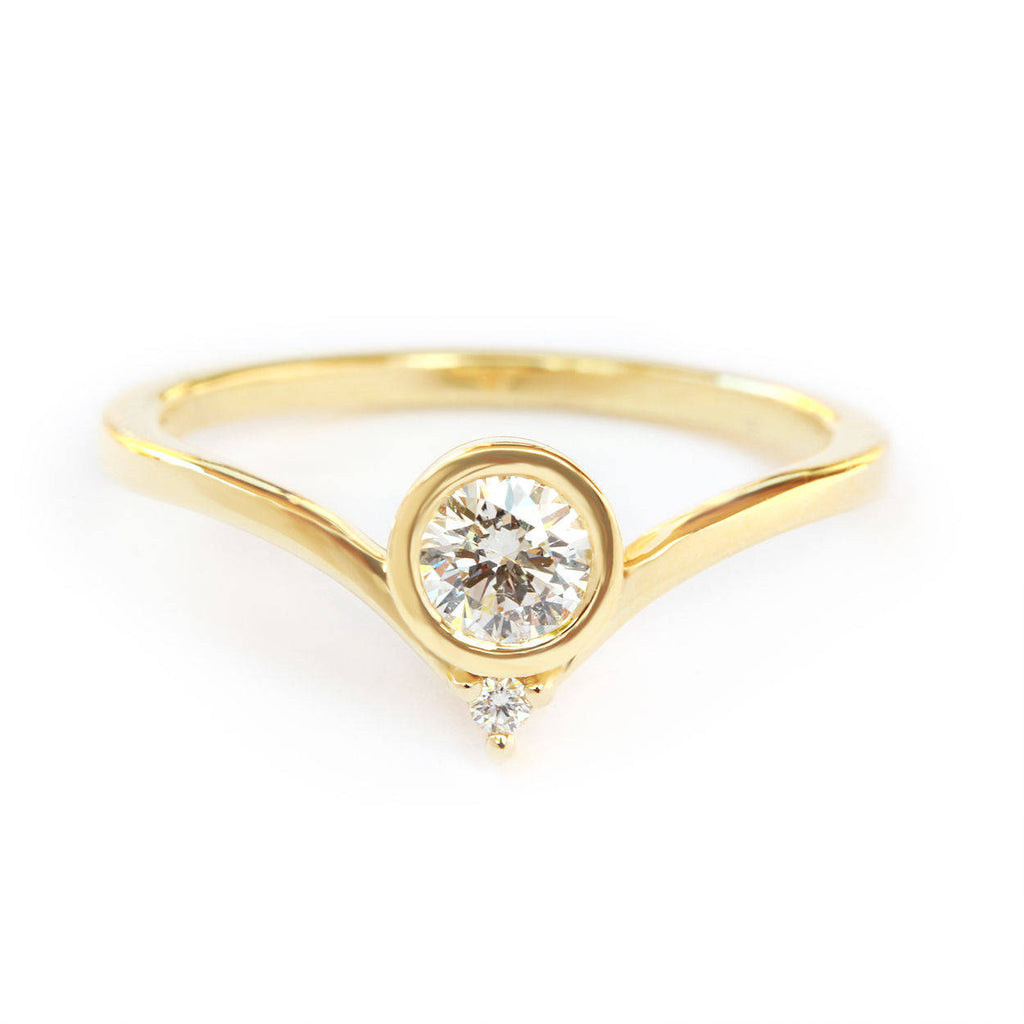 Bindi Solitaire Diamond V  Engagement Ring - sillyshinydiamonds