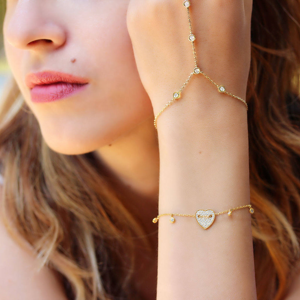 Heart gold & diamond bracelet with diamond drops