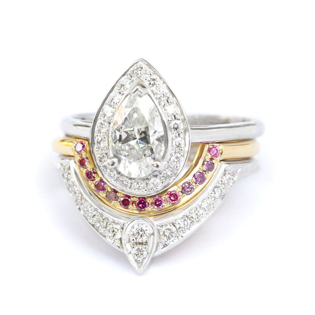 The 3rd Eye Trio Pear Diamond Engagement Rings Set