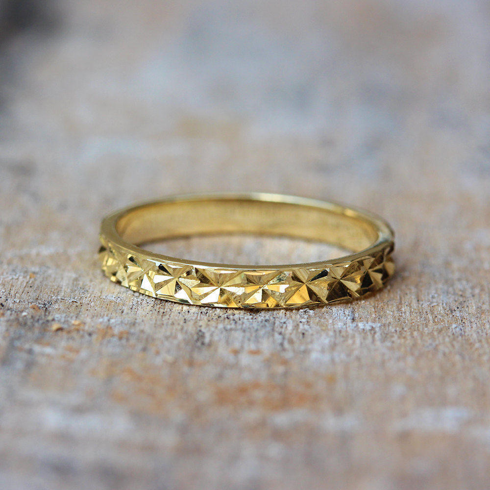 Shiny Cuts Unique Gold Wedding Ring - sillyshinydiamonds