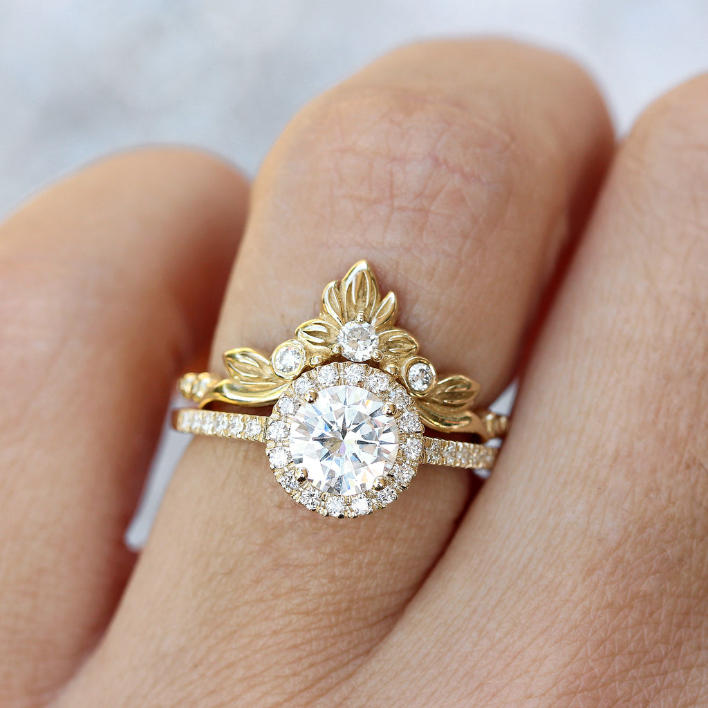 Classic & delicate Round Moissanite with halo engagement ring, Lady - Ready to ship in 14K yellow gold & size 6.5