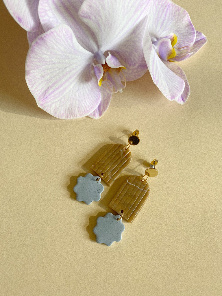 Arch Floret Earrings- Egg Blue and Coffee Swirl