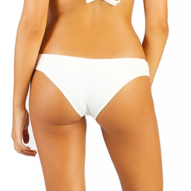 White Marble Palermo Ruffle Bottom