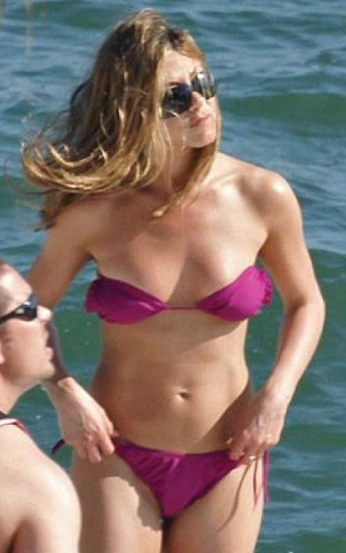 Jennifer Aniston bikini Maya
