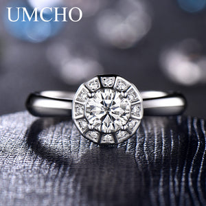18k White Gold Moissanite Engagement Ring