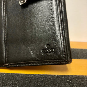 90s Gucci Made in Italy Authentic Leather Clasp GG Pattern Wallet