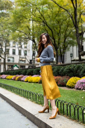 HOW TO STYLE THE SAME CASHMERE SWEATER IN 6 WAYS