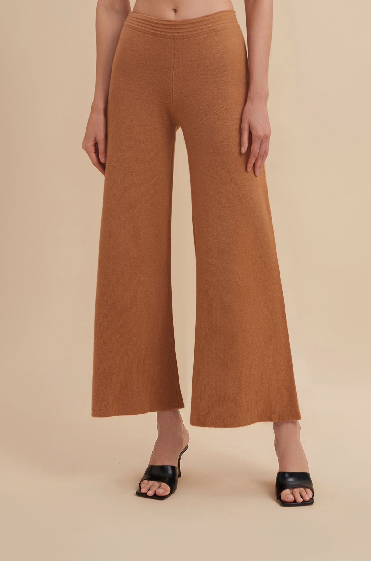 wide leg pants, wide leg sweatpants, knit wide leg pants, matching pants set, matching pants and bra, cashmere sweatpants, knit pants, lounge pants, lounging pants, sweatpants