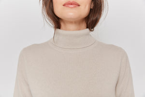 women beige neutral turtleneck cashmere sweater top knitwear layer