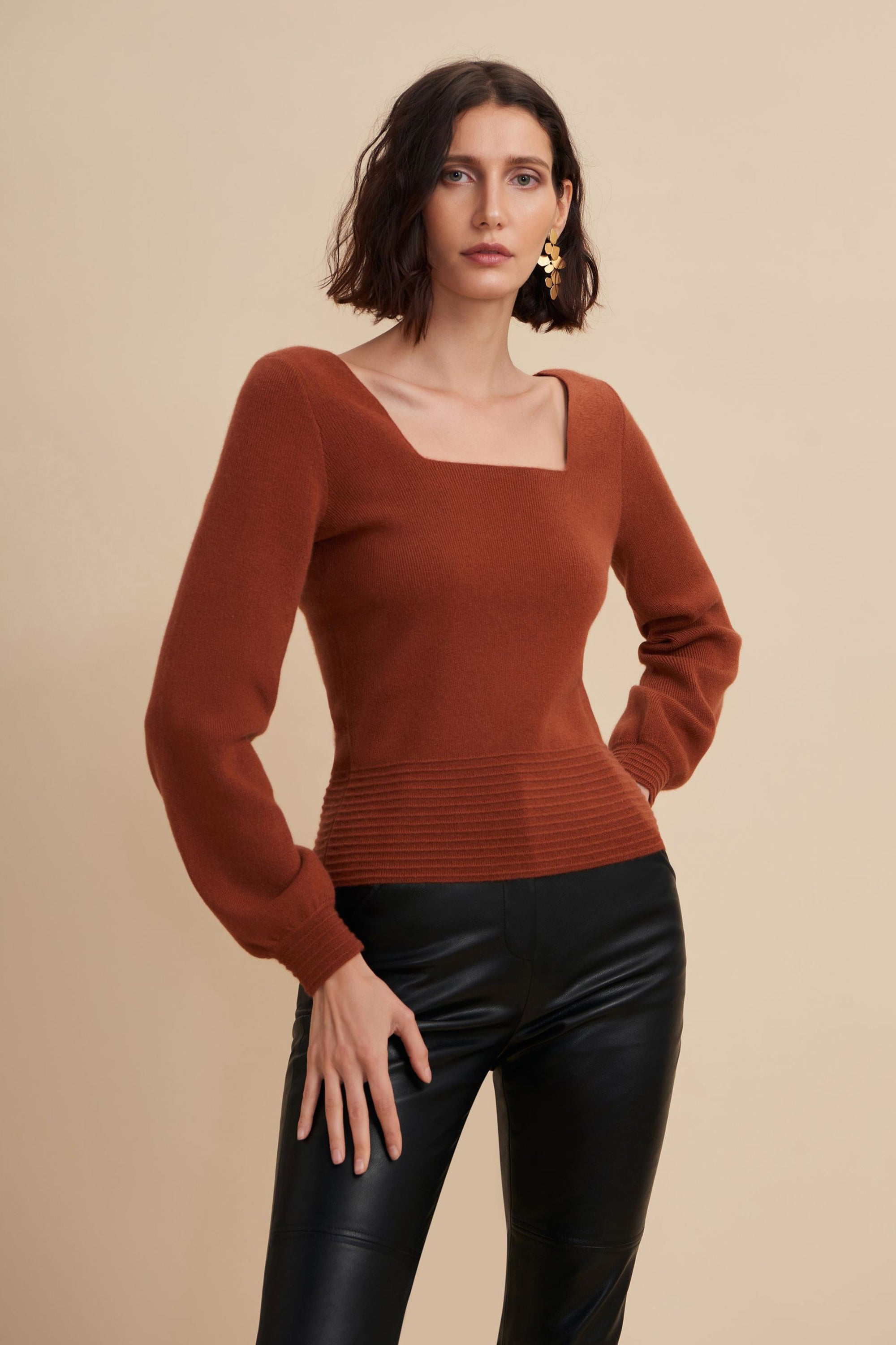 square neck sweater, square neck top, square neck, square neckline, cashmere sweater, bishop sleeve, bishop sleeve sweater, bishop sleeve top, red cashmere sweater