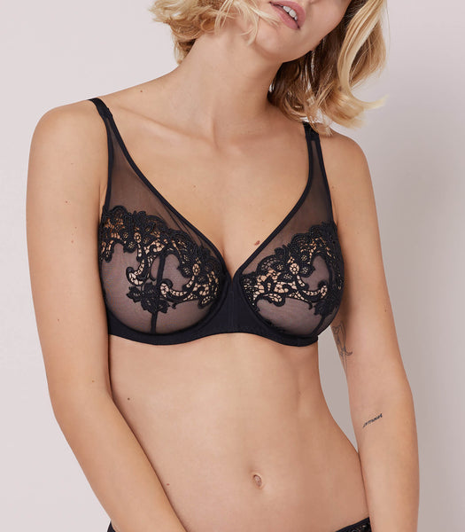 SAGA Full Coverage Plunge Bra in Solid Black